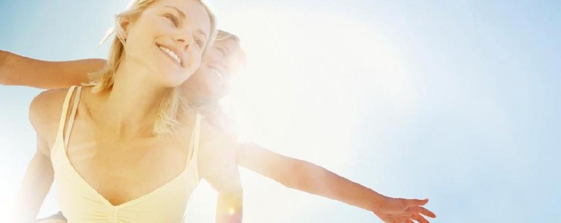 <span>D-vitamin források</span>D-vitamin forrásaink nagy részét szervezetünk saját maga állítja elő<br/>napfény hatására,ezért a természetes fényen való tartózkodás is nagyban<br/>hozzájárul a megfelelő D-vitamin ellátottság fenntartásához.